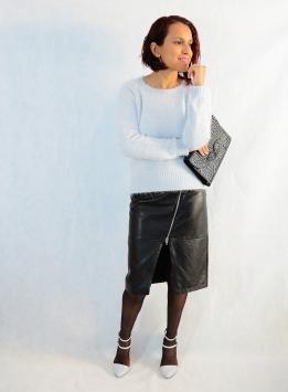 https://gabbysweetstyle.com/2015/12/09/como-combinar-una-falda-de-cuero/