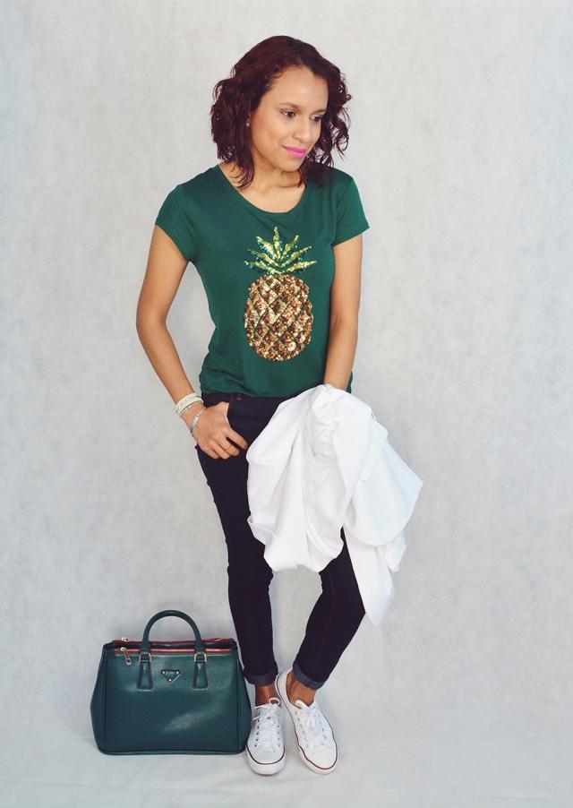Look casual con camiseta estampada 7