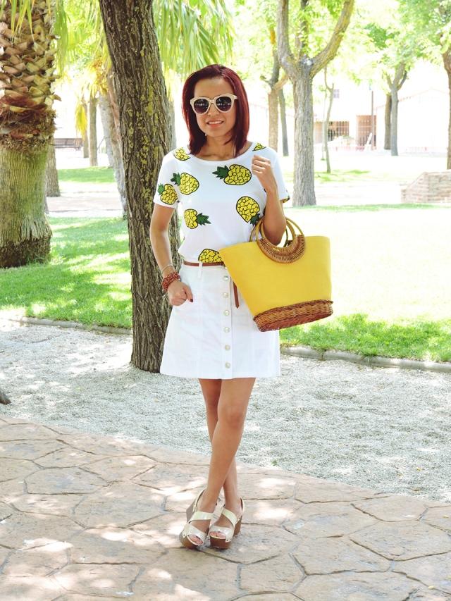 Falda y camiseta de piñas 1