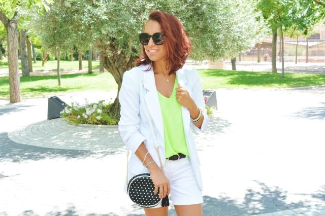 Look blanco y Neon 14
