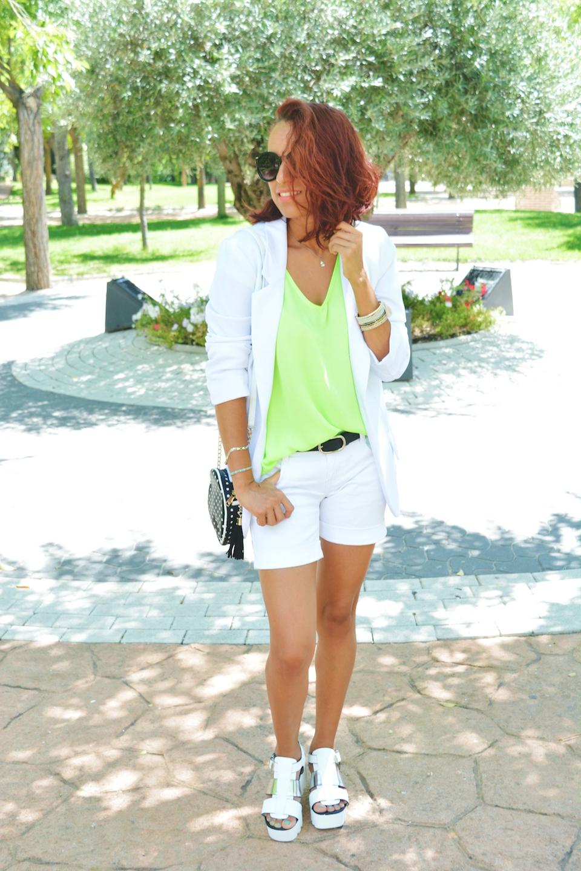 Look blanco y Neon 4