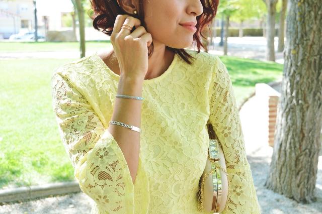 vestido-amarillo-encaje-13
