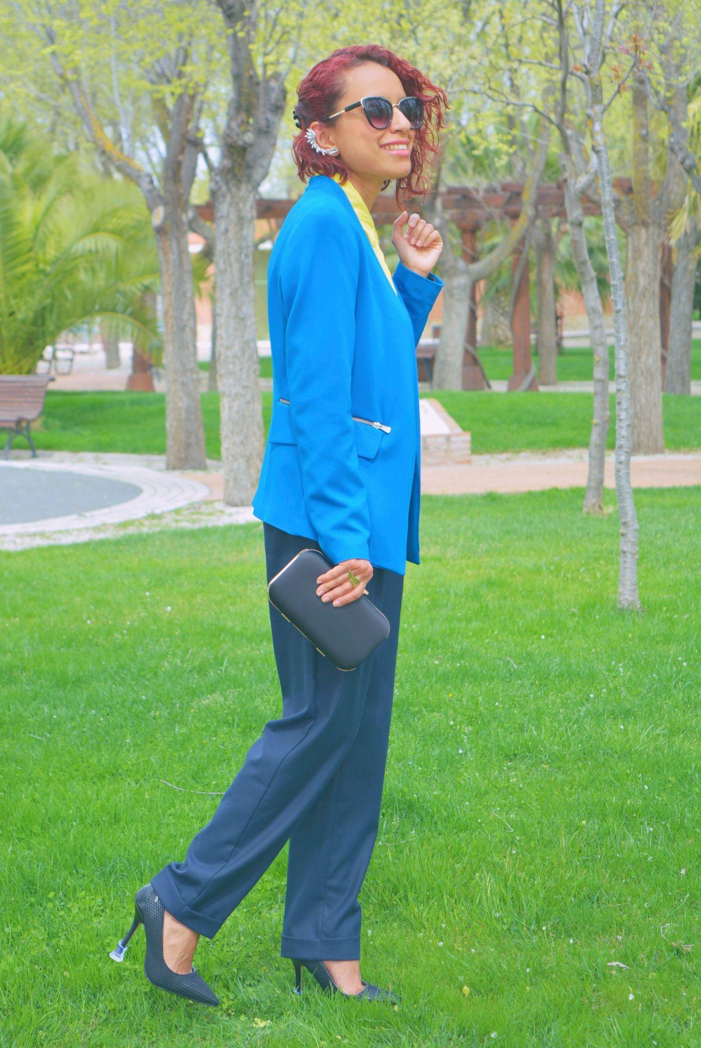 Look formal con protectores de tacón