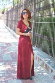 https://gabbysweetstyle.com/2017/04/21/como-combinar-un-vestido-rojo-largo/