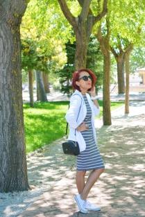 https://gabbysweetstyle.com/2017/05/12/como-combinar-una-blazer-blanca/