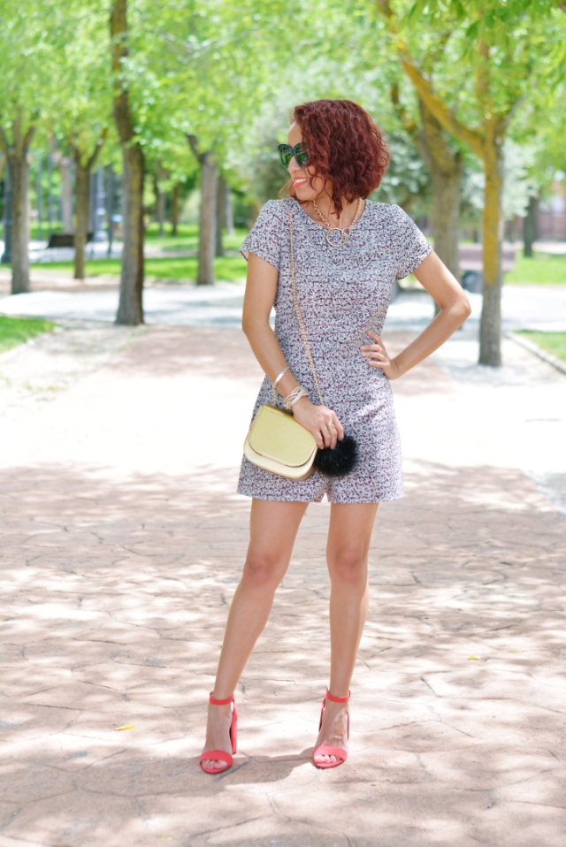 Outfit con jumpsuit corto