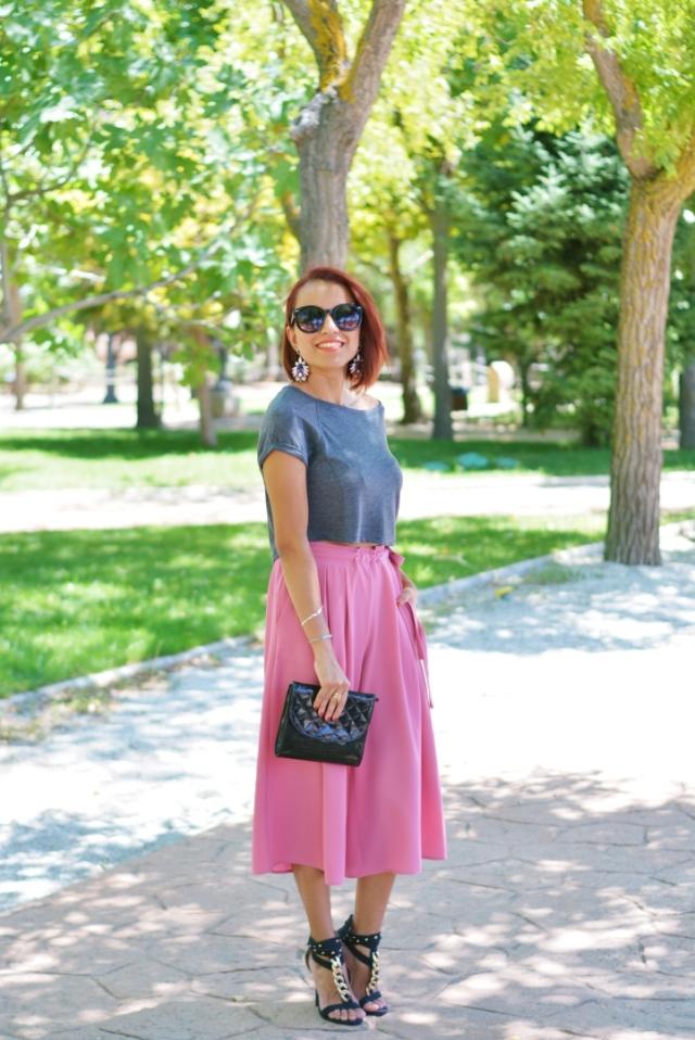 Crop top y pantalón culotte