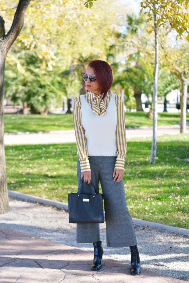 Look con blusa de rayas zaful