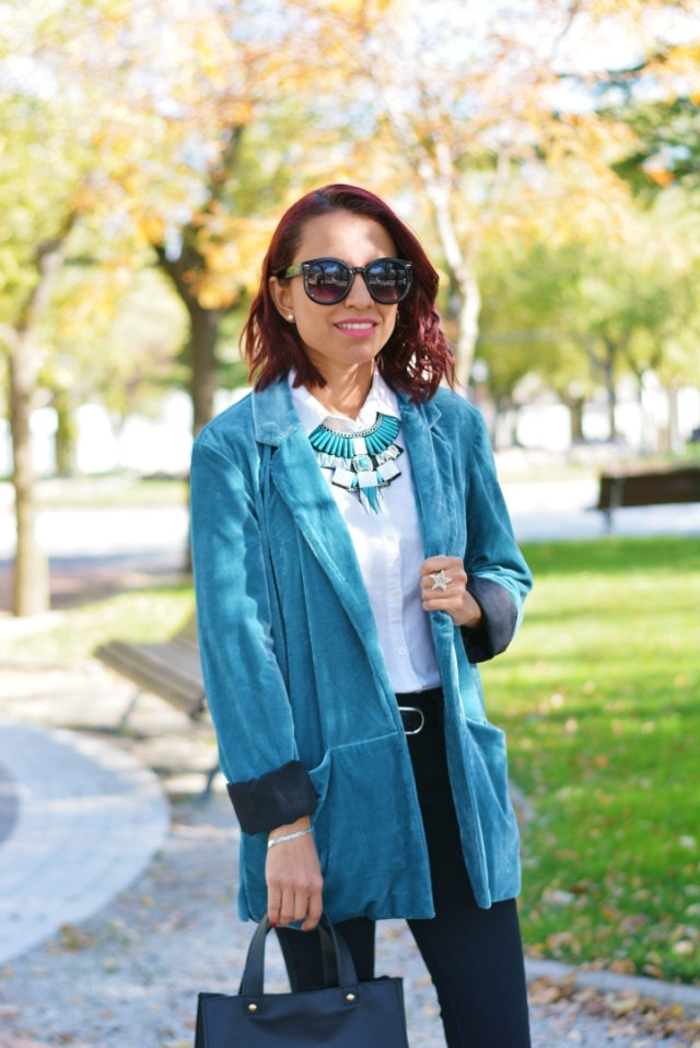 Outfit con blazer color verde
