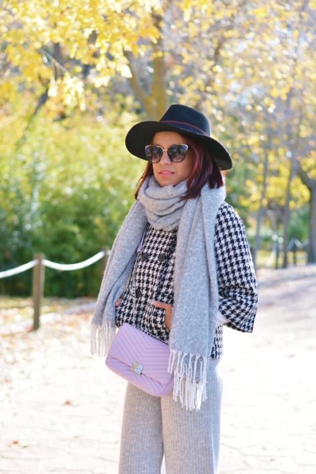 Look de invierno con sombrero