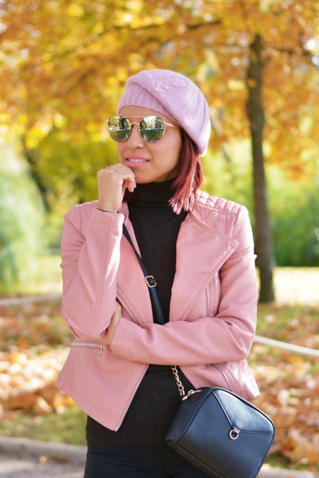 Look de otoño con rosa cuarzo