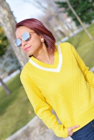 https://gabbysweetstyle.com/2018/01/17/como-combinar-un-jersey-amarillo/