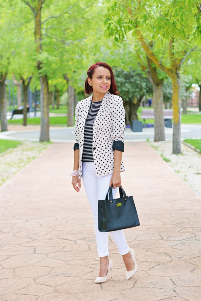 Outfit casual con lunares