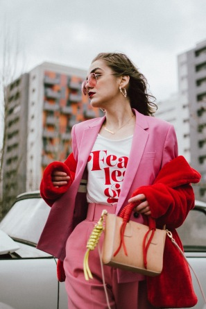 Pink-peg-trousers-pink-blazer-t-shirt-statement-bag-tinted-sunglasses-gucci-sneakers-red-faux-fur-coat-andreea-birsan-couturezilla-cute-winter-outfit-ideas-for-2018-5