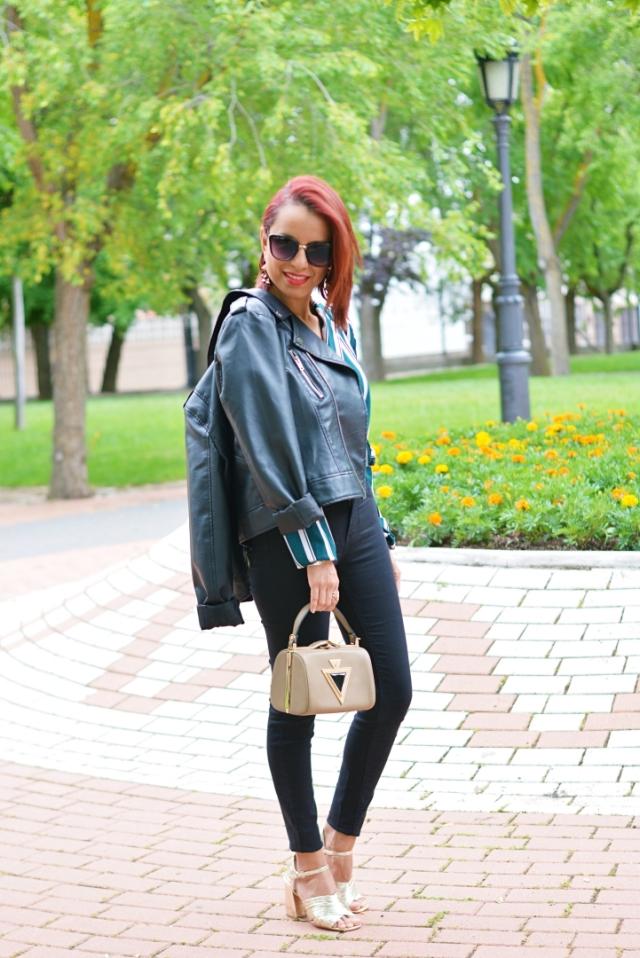 Look casual con jeans negros